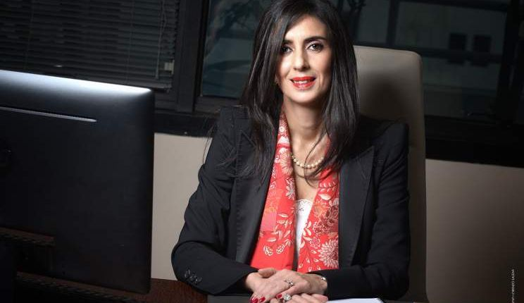 من هي نادية فتاح العلوي المعينة وزيرة السياحة والنقل الجوي والصناعة التقليدية والاقتصاد الاجتماعي