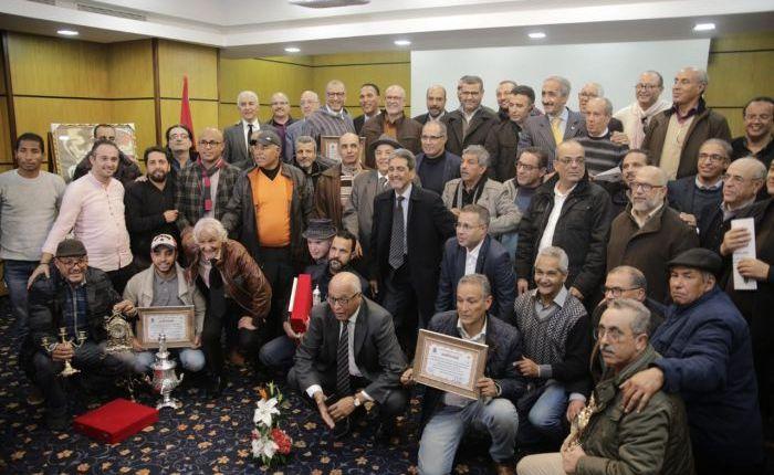 الرابطة المغربية للصحافيين الرياضيين ومقاطعة المعاريف ينظمان ندوة فكرية