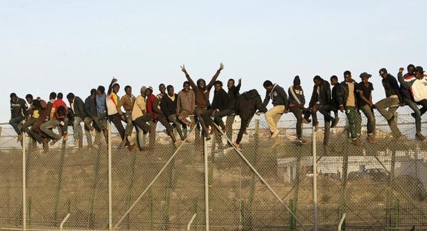 """""""ادارة الهجرة وحماية المهاجرين"""" موضوع ندوة لهيئة المحاميين بالبيضاء والمدرسة العليا للتكنولوجيا"""