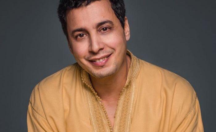 عبد السلام الحسني يحتفي بذكرى المولد النبوي مع جمهور الدارالبيضاء