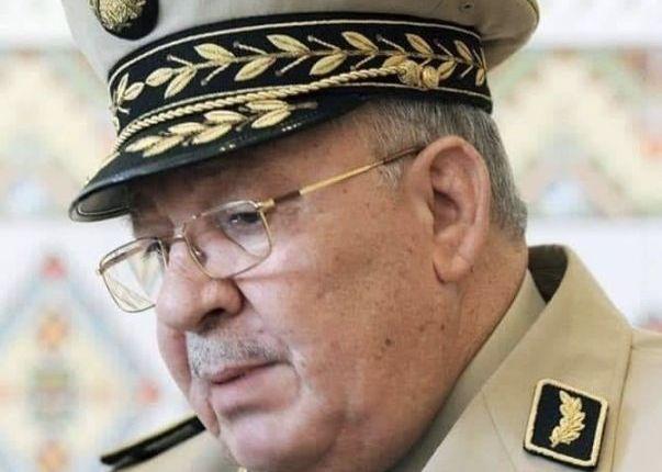وفاة قائد الأركان الجزائري قايد صالح إثر أزمة قلبية مفاجئة