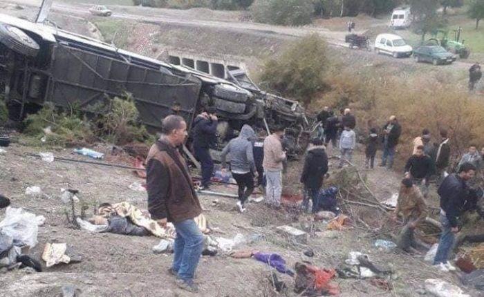 19 قتيل.. حصيلة حادث انقلاب حافلة لنقل الركاب بإقليم تازة