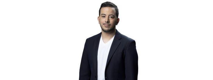 """المغربي إبراهيم إنهض يتأهل إلى المرحلة النهائية من """"منشد الشارقة"""""""