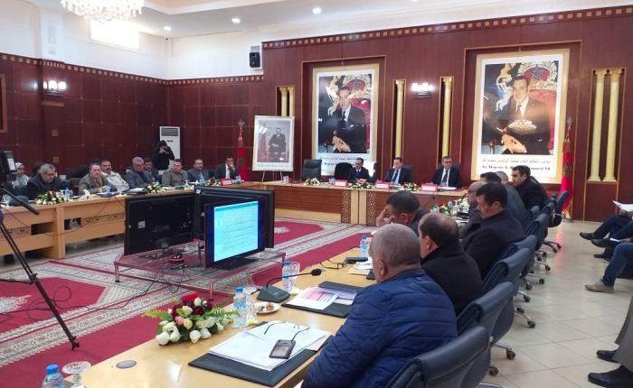 المجلس الإقليمي للفقيه بن صالح يصادق على مشروعي اتفاقيتين لاقتناء حافلات للنقل المدرسي