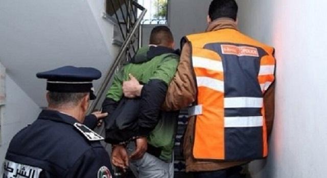 الدار البيضاء .. توقيف متهم بالسرقة السيارات والدراجات النارية والسرقة من داخل محلات تجارية