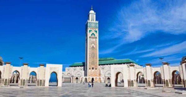 الهيئة العليا للإفتاء تفتي بضرورة  إغلاق المساجد