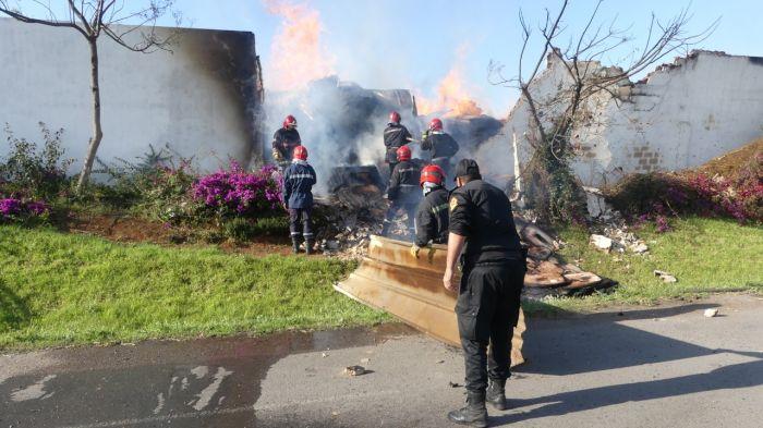 بالفيديو :خسائر مادية كبيرة في حريق سوق الخشب بدرب ميلان بالدار البيضاء