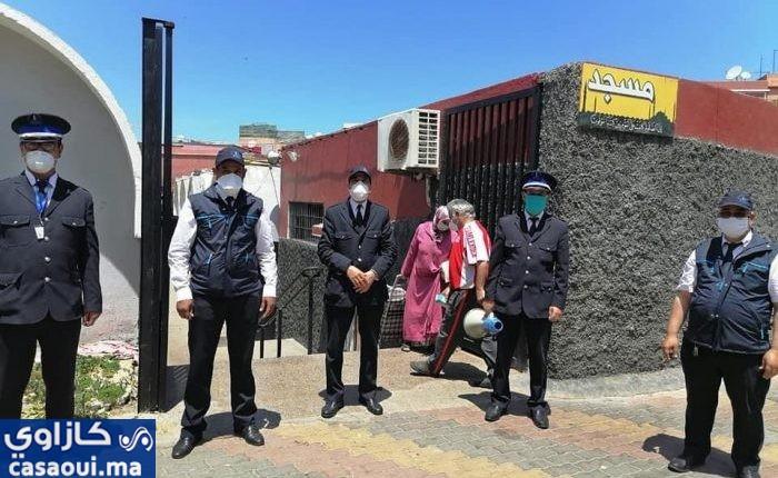 مقاطعة سيدي عثمان تواصل تتفيذ البرنامج الاسبوعي للتحسيس والتعقيم بالأسواق البلدية