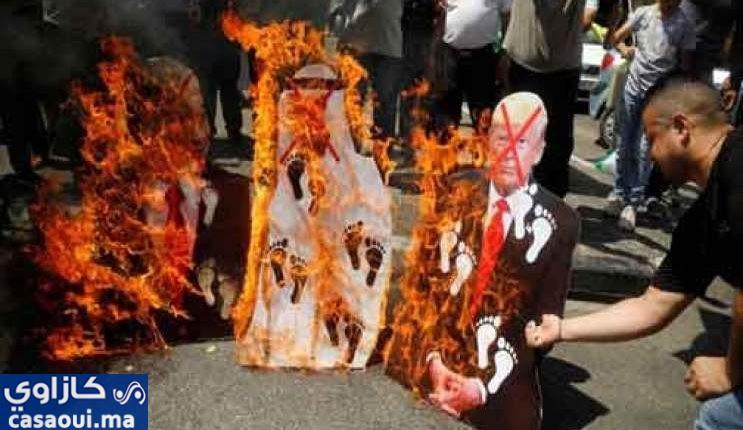 فلسطين :مظاهرات وحرق صور ولي عهد الإمارات العربية