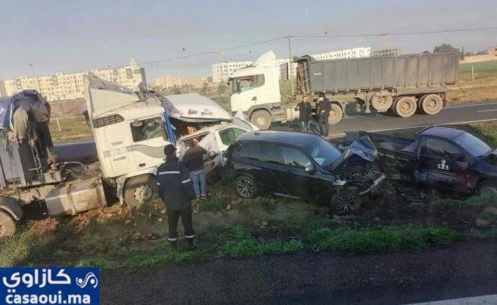 اصطدام حوالي 40سيارة وشاحنة  يشل  حركة السير بالطريق السيار بمدخل برشيد