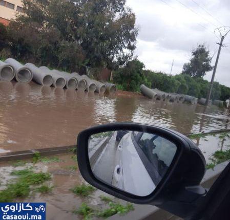 توقف حركة السير بمنطقة ليساسفة  بسبب الأمطاروالمواطنون غاضبون