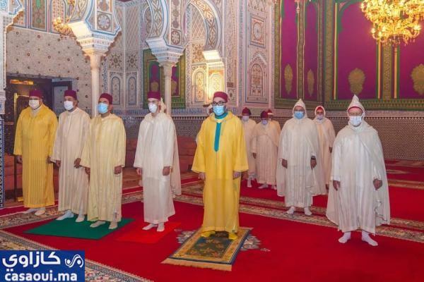 الملك محمد السادس يأمر بإعادة فتح جميع المساجد المغلقة