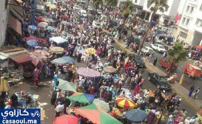 الأسواق الشعبية بالدار البيضاء تشهد اقبالا كبيرا لشراء ملابس العيد