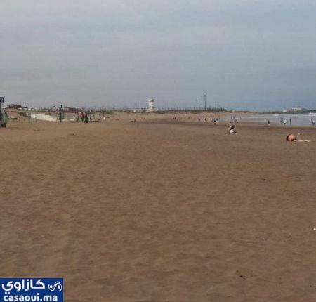 سلطات عمالة آنفا تحرر شاطئ عين الذئاب