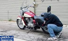 سارقون محترفون يسطون على الدراجات النارية في عين حرودة